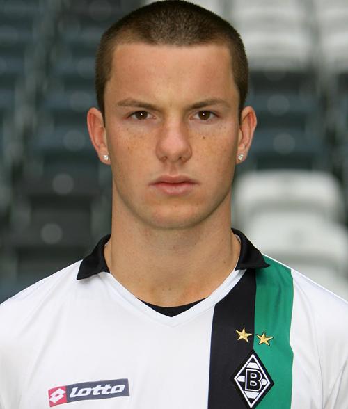 http://mediadb.kicker.de/2009/fussball/spieler/xl/30867_15.jpg