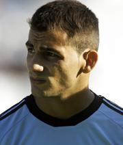 Sevilla steigt ein, VfB bei Poker um Jonny Castro aus
