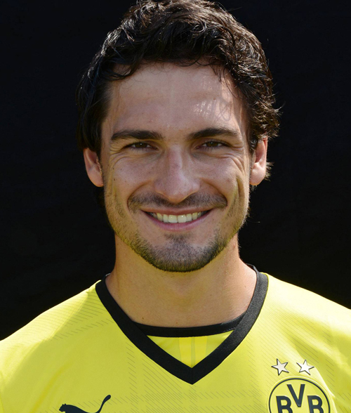 The 29-year old son of father Hermann Hummels and mother Ulla Holthoff, 191 cm tall Mats Hummels in 2018 photo