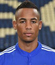 Aogo bleibt auf Schalke