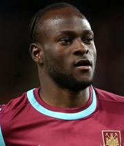 Auch Moses schl�gt bei West Ham auf