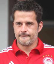 Hull holt Ex-Olympiakos-Trainer