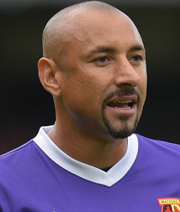 Watford hält an Gomes fest