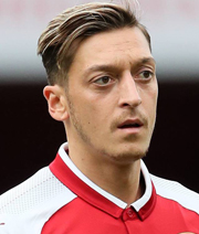 Wenger bestätigt: Özil bleibt bis Sommer