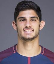 Valencia holt Guedes aus Paris zurück