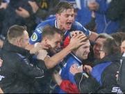 Pokalschreck Bielefeld tr�umt weiter