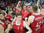 Raus mit Applaus: Bamberg zerlegt Vitoria
