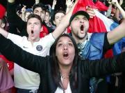Erleichterung in blau weiß rot - Fans feiern Les Bleus