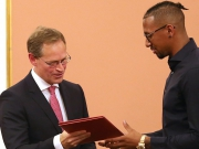 Boateng erhält Moses-Mendelssohn-Preis