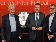 DFB-Boss Reinhard Grindel zu Besuch beim kicker