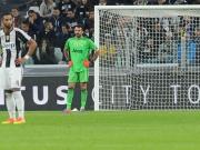 Buffon patzt böse - und darf dennoch jubeln