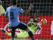 Torhüter im Blick: Muslera patzt, Bravo hält Suarez-Elfmeter