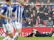 Schmerzhafter Abstoß: Basken-Derby vor 50.000 Zuschauern
