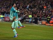 Suarez' Solo von der Mittellinie, Messi mit Gewalt