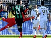 Dank Bacca - und Calvarese: Milan bleibt dran