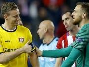Leverkusen verabschiedet sich mit Anstand
