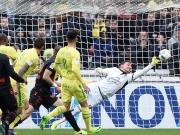 Schöne Tore in Nantes - und eine Assistenten-Verletzung