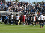 Spielabbruch in Bastia: Lyon-Spieler auf dem Feld attackiert