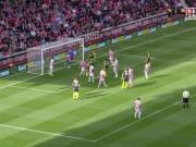 Özil trifft eiskalt: Arsenal bleibt dran