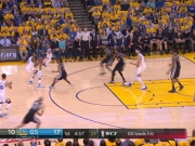 Curry treibt die Warriors an