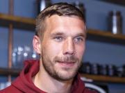 Podolski: Eis mit Stäbchen und Gedanken zu Modeste
