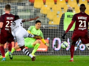 Rennes Joker Mubele sticht halb