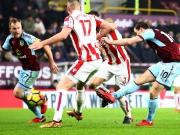 Barnes kommt, trifft und hält Burnley auf Kurs