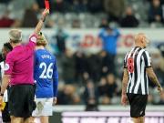Rooney lacht, Merino nicht - und Shelvey fliegt