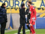 Rot wegen Notbremse! Trapp bei PSG-Sieg außer sich