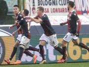 Bologna feiert Pulgars Freistoßtor