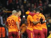 Dank Slapstick und Gümüs: Galatasaray dreht Rückstand