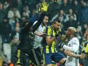 Istanbuler Derby: Drei Platzverweise, kein Sieger