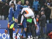 28-Meter-Freistoß in der Nachspielzeit! Mahrez verzückt Leicester
