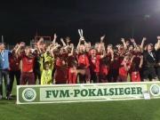 Viktoria Kölns Schlussmann hält U19-Pokalsieg fest