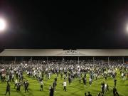 Platzsturm: Odoi köpft Fulham nach Wembley