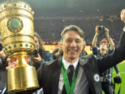 Bierdusche und Party: Eintracht feiert Pokalsieg
