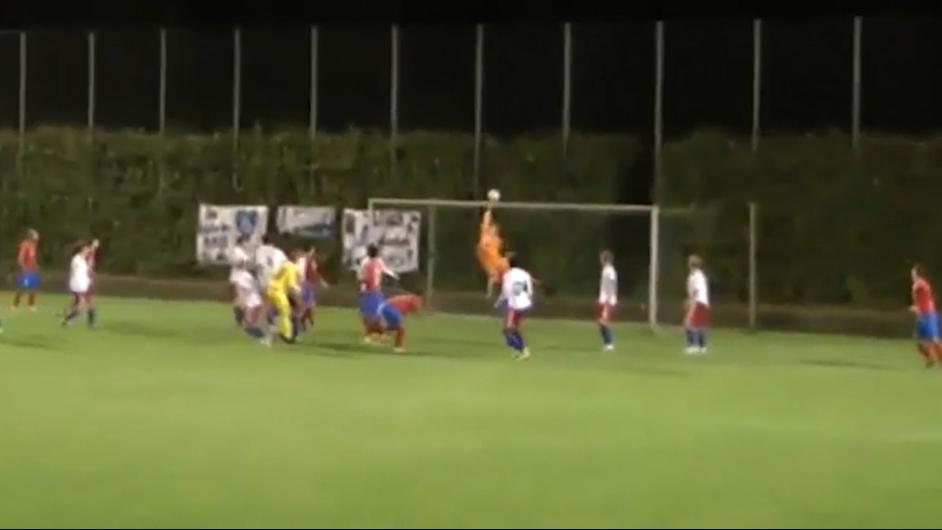 Riesen-Reflexe: Die Top 5 Paraden im Amateurfußball
