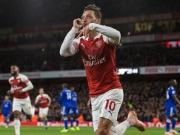 Glänzender Özil trifft, legt auf und führt Arsenal zum Sieg