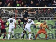 Cagliari: Erst mit vollem Körpereinsatz, dann gekonnt per Kopf