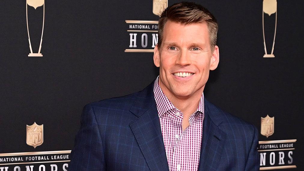 Redekunst und Augen überall: NFL-Kultfigur Scott Hanson erklärt die NFL RedZone | DAZN-Exklusiv mit Red-Zone-Moderator | Video