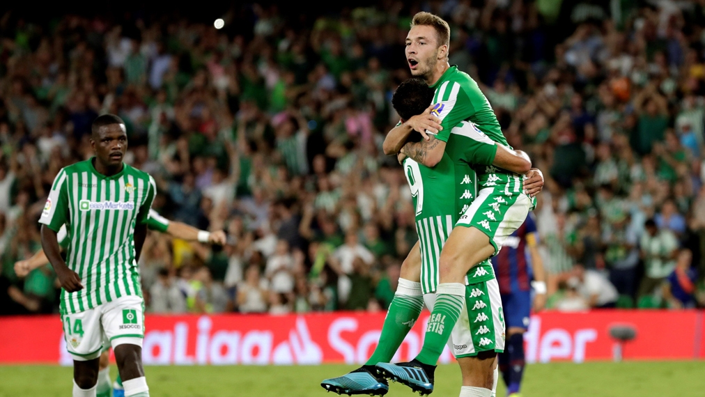 Loren Moron dreht die Partie für Real Betis | La Liga - Highlights by DAZN | Video
