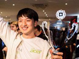 Verabschiedet sich mit dem HSC-Pokal: Moon 'MMA' Seong Won von Team Acer.