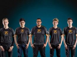 Das neu aufgestellte LoL-Team von Fnatic.