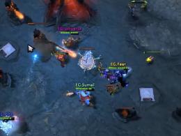 'Fear' mit seinem Arc Warden-Abbild in der Basis von Team Liquid.
