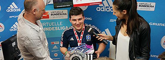 Erster deutscher VBL-Meister: Kevin Assia (Mi.).