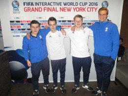 Die vier deutschen Teilnehmer blicken zuversichtlich auf die Gruppenphase: Kevin Assia, Niklas Raseck, Michael Bittner und Nachrücker Benedikt Saltzer (v.li.).