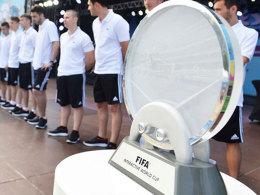 Objekt der Begierde: Die FIFA Interactive World Cup-Trophäe.