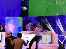 Im Freudentaumel über seinen Finalsieg stürzt Mohamad Al-Bacha seinen Fans entgegen.