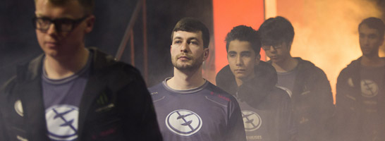 'Fear' (2. v.l.) mit seinem Team EG auf dem International 5.