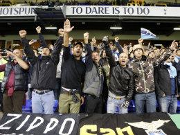 Lazio-Anhänger an der White Hart Lane